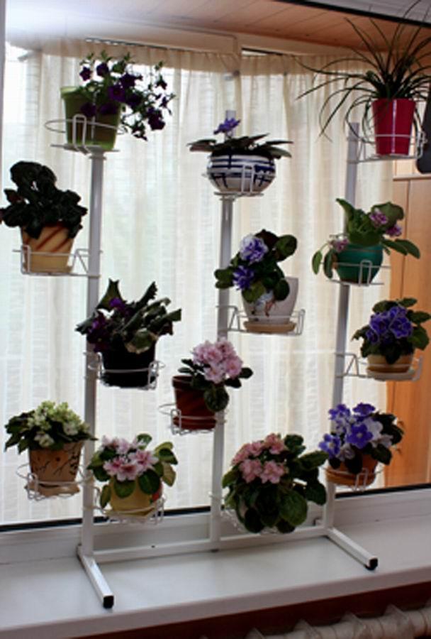 Подставка для цветов на окно с цветами